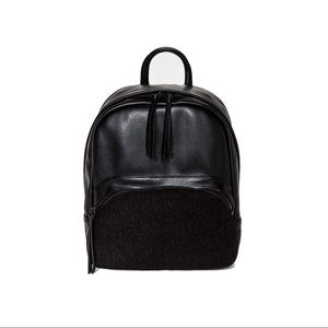 Women's fashion black small backpack Mossimo 💕